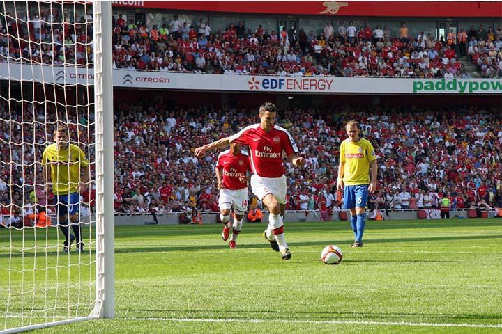 penalty van persie