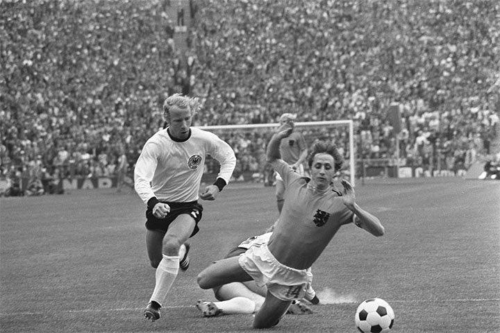 Versierde strafschop Cruijff WK voetbal